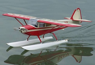 RC float planes